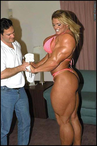 Bilderesultater for extreme bodybuilding woman""
